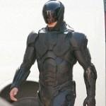 Nomas le faltaron los Pezones al nuevo traje de RoboCop!